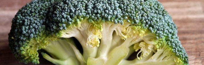 Broccoli con crema di fagioli neri